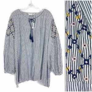Old Navy floral embroidered tassel tunic